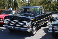 1968 Ford Ranger Styleside Pick - Up Vintage Pickup Trucks, Classic Ford Trucks, Ford Pickup Trucks, New Trucks, Cool Trucks, Lifted Trucks, Ford 4x4, Lifted Ford, Ford Bronco