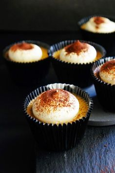 Cakelets and Doilies: Baileys Coffee Mini Cheesecakes Mini No Bake Cheesecake, Coffee Cheesecake, Cheesecake Recipes, Healthy Dessert Recipes, Baking Recipes, Delicious Desserts, Yummy Food, Mini Desserts, Just Desserts