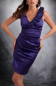 Sleeveless Column V-neck Short Applique Cocktail Dresses - OuterInner.com