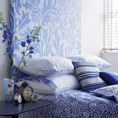 crisp blue and white... so lovely.