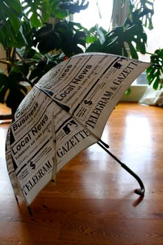 Beautiful vintage umbrella for photo prop. The umbrella is in good vintage condition, still with tag, never used before. Lace Umbrella, Vintage Umbrella, Folding Umbrella, Outdoor Umbrella, Under My Umbrella, Cool Umbrellas, Umbrellas Parasols, Walking In The Rain, Singing In The Rain