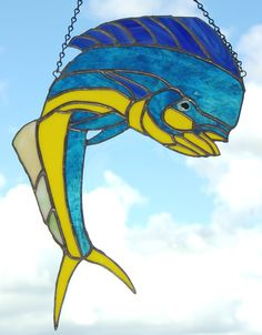 Stained Glass Mahi-Mahi Dorado Fish by glassnwood Stained Glass Suncatchers, Stained Glass Projects, Stained Glass Patterns, Stained Glass Art, Mosaic Art, Mosaic Glass, Fun Projects, Project Ideas, Dorado Fish