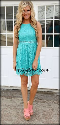 (http://www.fillyflair.com/all-about-evening-lace-dress-in-turquoise/)