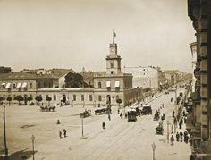 Rok 1890.    Widok Dworca Warszawsko-Wiedeńskiego i ulicy Marszałkowskiej w kierunku Ogrodu Saskiego.     Fot. Konrad Brandel.