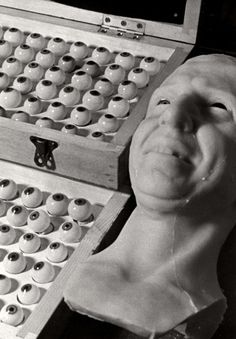 BEHIND THE SCENES AT MADAME TUSSAUDS, 1930S