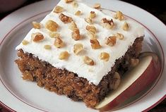 Apple Walnut Cake Recipe -This moist cake is perfect for brunch. It gets its appeal from big chunks of sweet apples, nutty flavor and creamy frosting. The recipe, originally my mom's, is a unique harvest treat. Pear Recipes, Cake Recipes, Dessert Recipes, Cookbook Recipes, Greek Recipes, Food Processor Uses, Food Processor Recipes, Apple Walnut Cake Recipe, Apple Cake