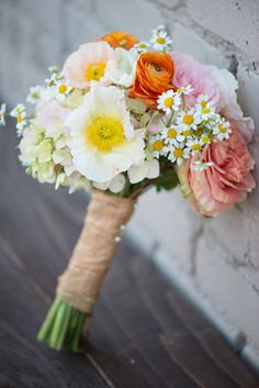 #spring wedding bouquet - photo by Jordan Weiland, flowers by Bella Calla http://ruffledblog.com/spring-floral-inspiration/