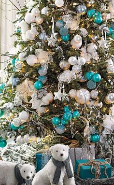 Christmas Tree Grandin Road with Turquoise and White Ornaments - note the use of triple grouped ornaments