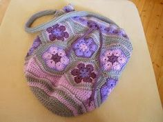 African Flower Bag with free Pattern in German, English and Swedish...