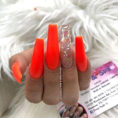 How to choose your fake nails? - My Nails Bright Acrylic Nails, Bright Nails, Summer Acrylic Nails, Best Acrylic Nails, Summer Nails, Gorgeous Nails, Pretty Nails, Gel Nails At Home, Long Nail Designs