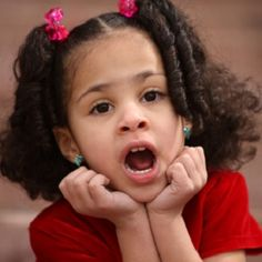 Jeux de voix pour initier les enfants au théâtre et développer l'expression !