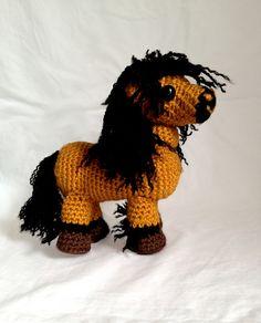 Amigurumi Horse - FREE Crochet Pattern / Tutorial by Heather Brett