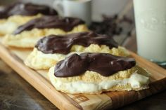 """Chocolate Eclair: NUTRITIONAL COMPARISON (per serving) Traditional Eclairs: 262 calories, 16g fat, 6g protein, 25g carbs, 0.6g fiber (24.4 effective carbs) """"Healthified"""" Eclairs: 121 calories, 9g fat, 8g protein, 4g carbs, 3.4g fiber (0.6 effective carbs)"""