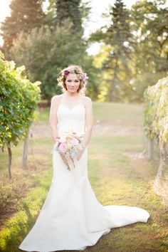 Wedding Photography | Boho Wedding | Bridal Look | Wedding Gown | Bridal Hair and Makeup | Forever Bride | Wedding Planning Made Easy | Minneapolis
