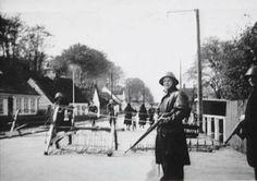 2 verdenskrig - Hellebæk Frihedskæmpere ved vejspærring på Strandvejen efter 5 maj 1945