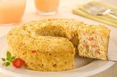 Ingredientes  4 ovos 1 lata de milho (200g) 1/4 de xícara (chá) de óleo de canola (50ml) 1 xícara (chá) de leite (100ml) 1 colher (chá) de sal 1/2