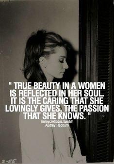 Audrey Hepburn. Beauty.
