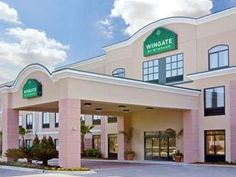 Destin (FL) Wingate by Wyndham Destin United States, North America Located in Destin City Center, Wingate by Wyndham Destin is a perfect starting point from which to explore Destin (FL). The hotel has everything you need for a comfortable stay. To be found at the hotel are free Wi-Fi in all rooms, 24-hour front desk, facilities for disabled guests, express check-in/check-out, meeting facilities. Guestrooms are fitted with all the amenities you need for a good night's sleep. In...