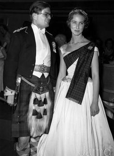 6th Marquess Of Bath And His 1st Wife Marquess