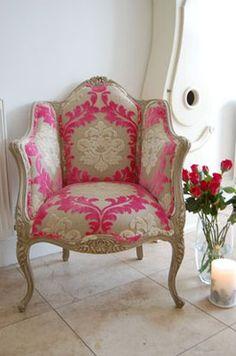 Fauteuil Louis XVI rose et crème