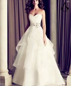 BV ConcertO wedding gown fastseller No.1 leak back strapless lace white chalaza simple wedding dress