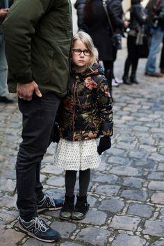 mrmuhammadpatel: The Sartorialist - Paris The Sartorialist, Star Fashion, Kids Fashion, Fashion Design, Women's Fashion, Beautiful Little Girls, Colorful Fashion, Cute Outfits, Street Style