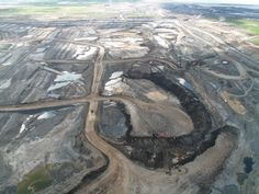 Tar sands mine in Alberta Canada  - Scientists & Economists Reject Keystone Pipeline - Article***