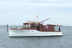classic yachts | Classic Motor Yacht Papoose, Gentleman's Cruiser, fine american ...