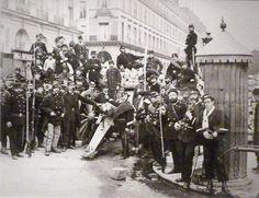 O massacre da Comuna de Paris | História Viva | Duetto Editorial