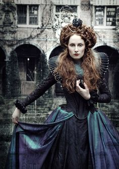 """The Look: Elizabeth I - """"Virgin Queen"""" by Pierre Leszczyk. Design by Vionna Art. Fairytale Fashion, Gothic Fashion, Fashion Fashion, High Fashion, Fashion Beauty, Outdoor Photography, Fashion Photography, Hair Rainbow, Portfolio Pictures"""