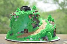Groom's Cake Ideas....Jeep themed, ideas needed : wedding jeep grooms cake 3796554279 17df25384f B