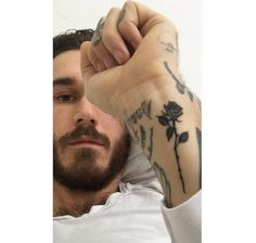 Le tatouage de David Alexander Flinn