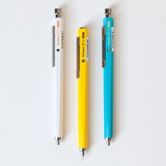 Moleskine, Study Room Design, Fine Point Pens, Pencil Design, Stationery Pens, Pencil And Paper, Pen Art, Mechanical Pencils, Writing Instruments