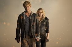 Still of Alex Pettyfer and Teresa Palmer in I Am Number Four