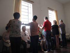 Cruzar braços e mãos atrapalha a eficácia do passe espírita? - http://www.agendaespiritabrasil.com.br/2017/01/08/cruzar-bracos-e-maos-atrapalha-eficacia-do-passe-espirita/
