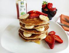 Pancakes cu banane si capsuni   Foodieopedia Stevia, Yummy Food, Yummy Recipes, Pancakes, Deserts, Diet, Sweets, Banana, Breakfast