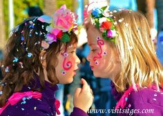 Sitges Carnaval Rua Infantil 2 niñas by Sitges - Imágenes de Sitges, via Flickr