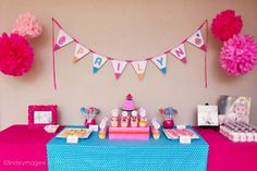 Turquoise and pink table!