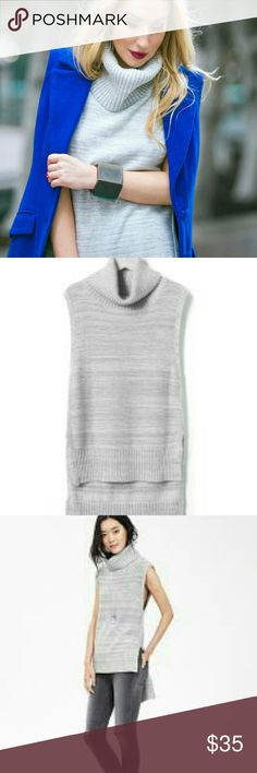 🎉🙌Host Pick!!! BR Sleeveless turtleneck 🎉 Cold weather staple by BR. Great for layering. Longer tail as pictured. Side split Banana Republic Sweaters Cowl & Turtlenecks