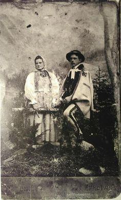 Poland, Folk Art, Westerns, Sculpture, Costumes, Traditional, Popular Art, Dress Up Clothes, Fancy Dress
