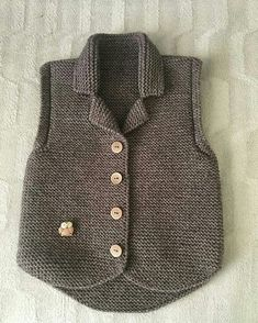 Boys & Vest Models - 108 Boys& Vests Boys& knit vest models Always wanted to be able to knit, nonetheless undecided the place to begin? Baby Cardigan, Baby Pullover, Baby Knitting Patterns, Knitting For Kids, Baby Overall, Knit Vest Pattern, Knitted Baby Clothes, Baby Sweaters, Baby Dress