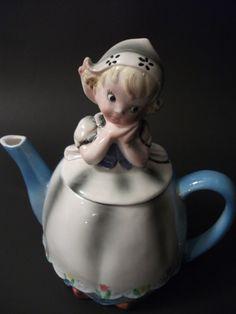 Lefton Dutch Girl Teapot  1950's  RARE  Very Good by Kapharnaum