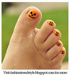 Halloween Easy DIY Nail Designs Tutorial 1 | pinned from nail.pixiie.net #nailart #nailpixiie