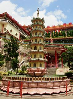 Kek Lok Si Temple Penang. Beautiful pagoda and a cool place to visit, with kids or without. More Malaysia travel with http:/worldtravelfamily.com