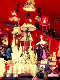 choccywoccydoodah...:) Choccywoccydoodah, Chocolate Stores, Brighton England, Cute Themes, Shop Windows, Window Displays, Window Shopping, Cakes And More, Visual Merchandising