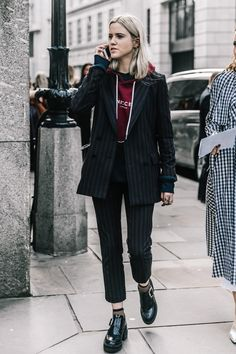 What's trending: women's street style for fall/winter 2017 Looks Street Style, Autumn Street Style, Looks Style, Style Me, Street Style Trends, Look Fashion, Street Fashion, Autumn Fashion, Fashion Outfits