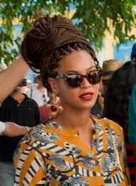 Resultado de imagen de celebrity afro braids style Box Braids Hairstyles, Wedge Hairstyles, Hairstyles With Glasses, American Hairstyles, Everyday Hairstyles, Hairstyles With Bangs, Updos Hairstyle, Hairstyles 2018, Feathered Hairstyles