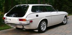 Ah, the Volvo P1800 ES. I've always had a thing for shooting brakes, and this is one I've wanted since childhood.