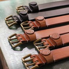 ☆ Leather Belt ✴︎ #leather #leathercraft #leathergoods #leatherwork #leatherbelt #belt #handcrafted #handmade #handcut  #handsewn…