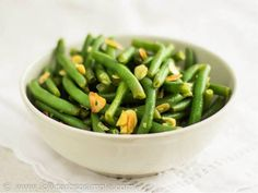 Green Beans with Lemon and Almonds (low-carb, paleo, keto, 6.5 g net carbs)